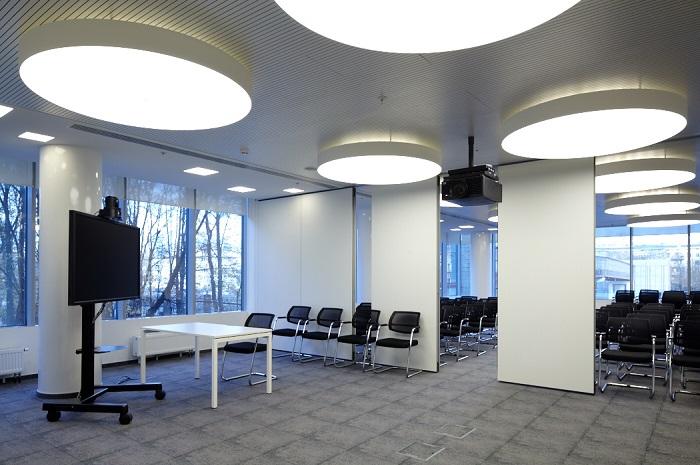 Раздвижные перегородки в офисе компании MAIL.RU