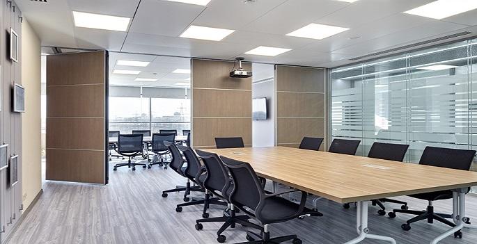 Дизайн проекта с перегородками в офисе