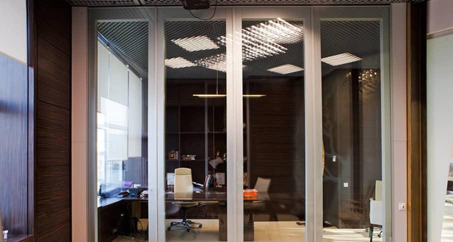 Звукоизоляционные стеклянные перегородки в офис