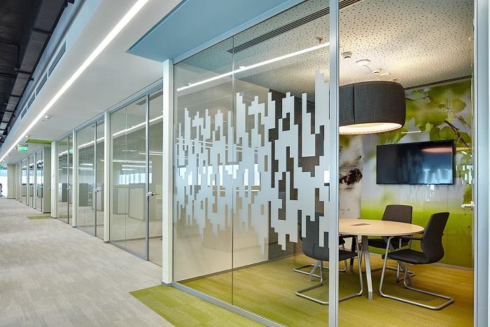Звукоизоляционные перегородки в офисном помещении
