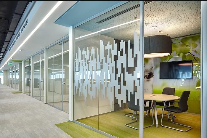 Офисные раздвижные стеклянные перегородки