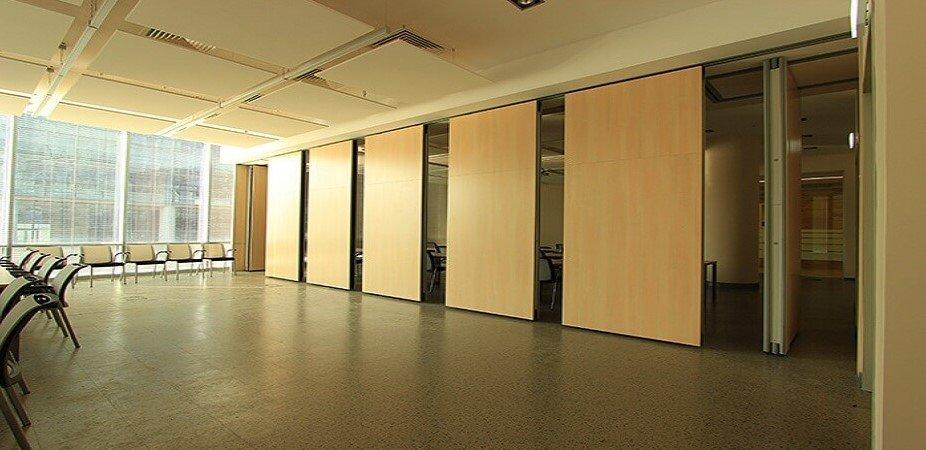 Раздвижные стены в концертном помещении