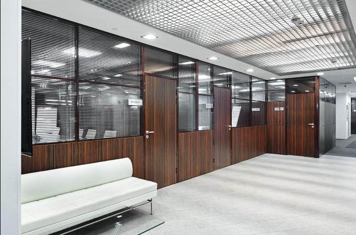 Трансформируемые перегородки в офисе 1С